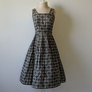 Vintage 50s fit and flare dress